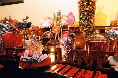 Add a sign inviting your guests to your candy buffet table