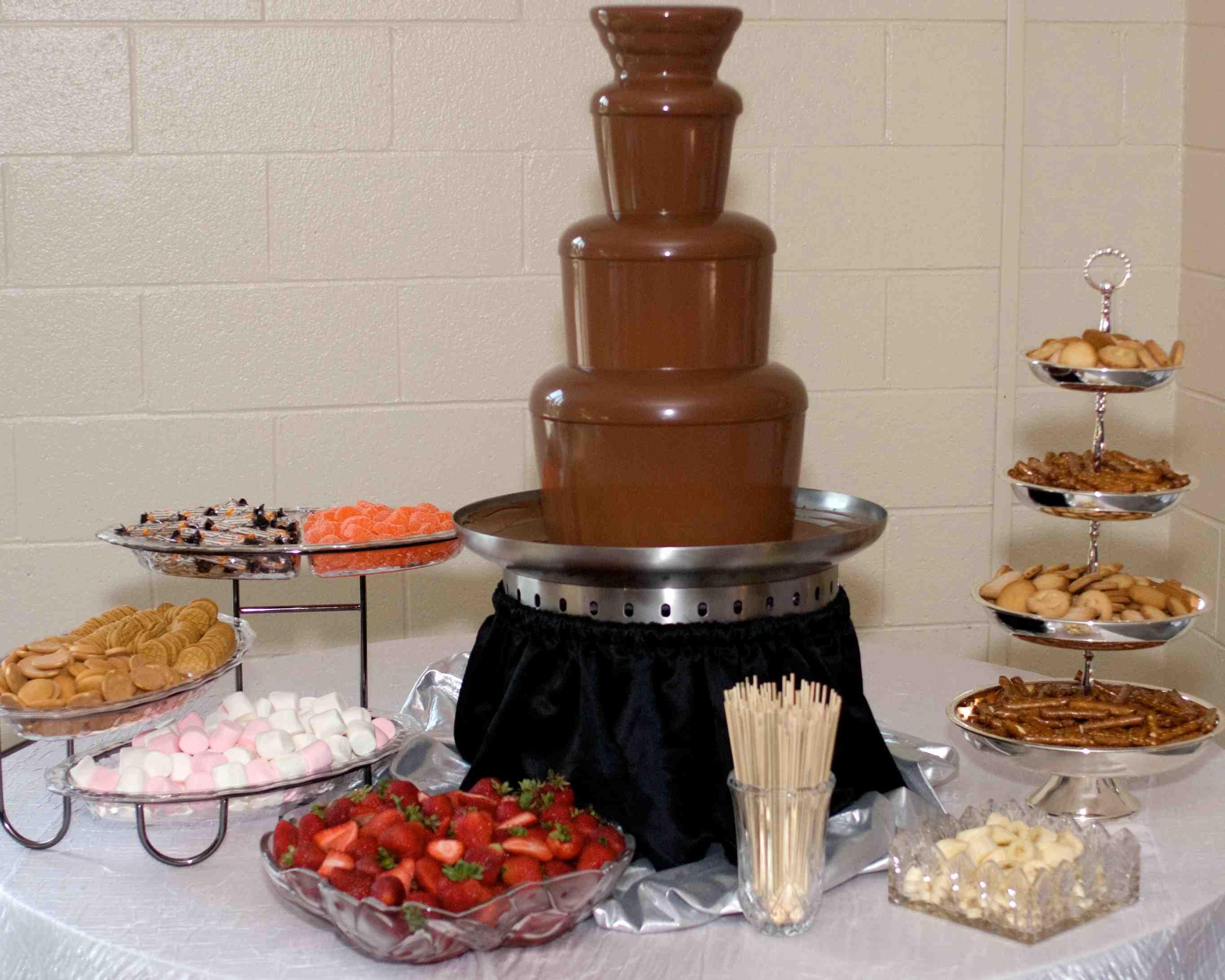 Wedding Dessert Ideas | Hudson Valley Ceremonies |Chocolate Fountain Ideas