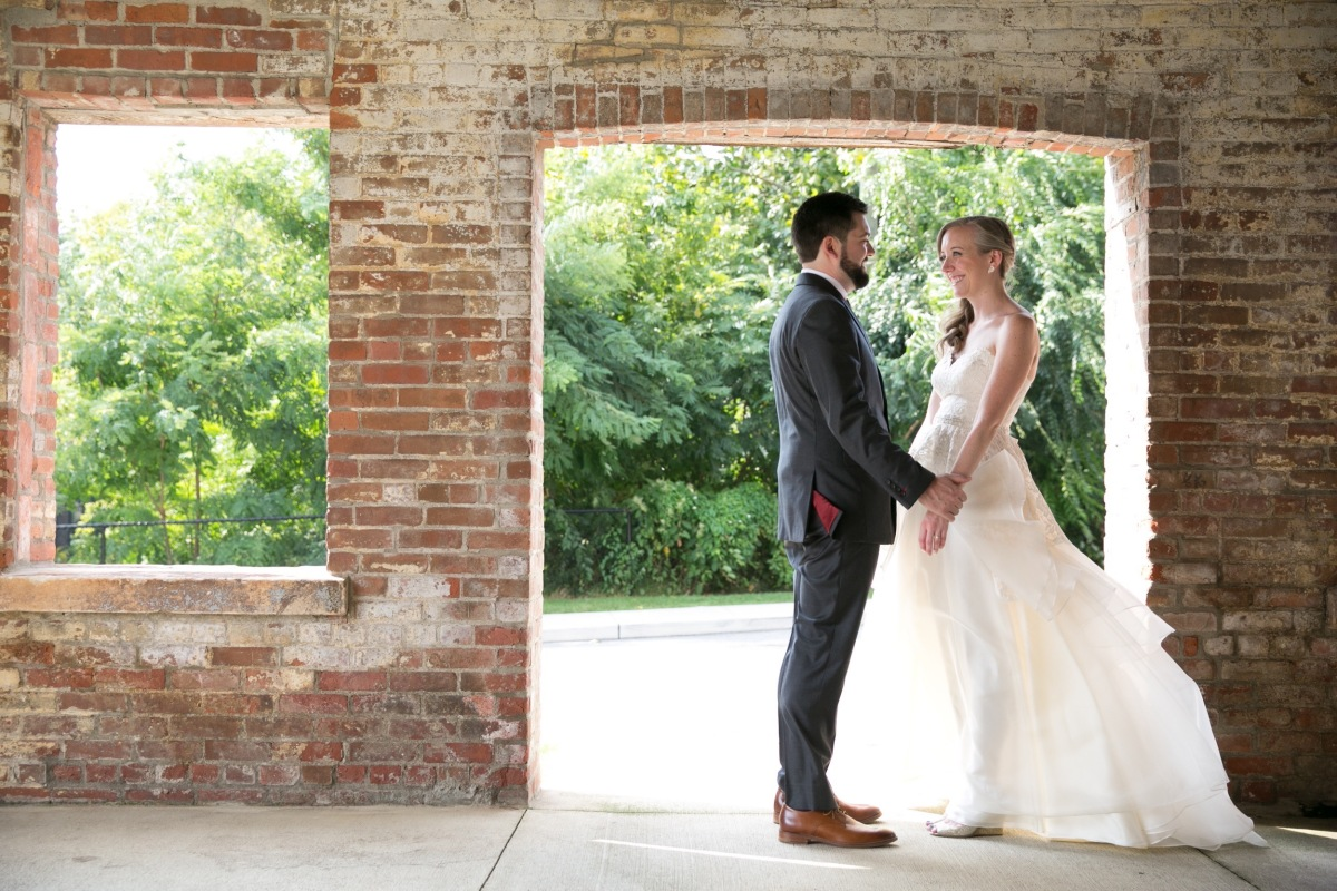 Wedding Gift List Thomas Cook : Kerry and Matt Nelson, Roundhouse at Beacon Hudson Valley ...